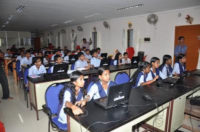 Students attending Malayalam wikipedia workshop