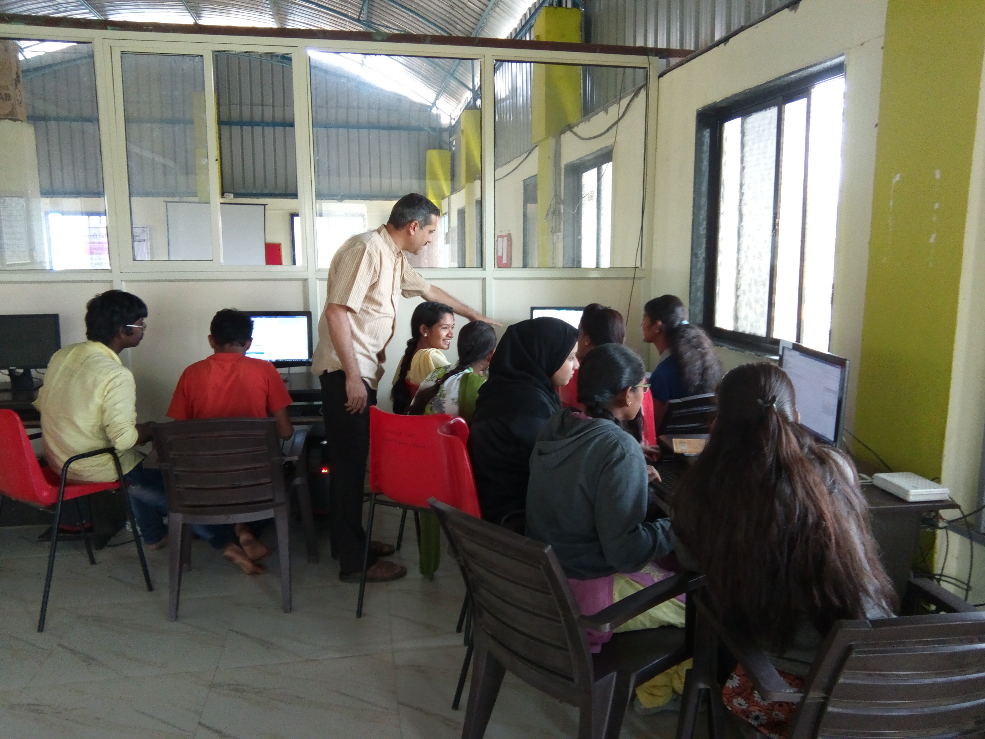 Thematic Edit-a-thon at J.P.Naik Centre for Education & Development, Pune